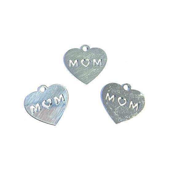 Medál - Szív alakú – MOM felirattal - antik ezüst színben - Rozsdamentes Acél!