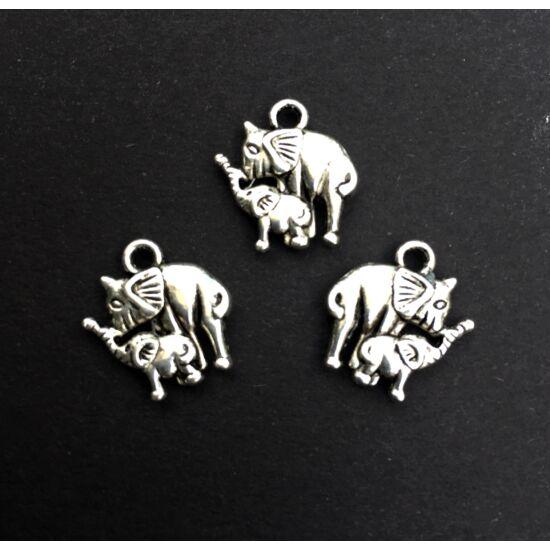 Medál - Anya és baba elefánt formában- antik ezüst színben