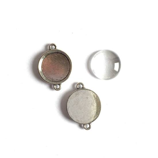 Antik ezüst színű, kerek lencsés alap