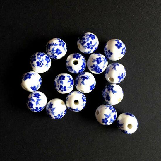 Kerámia gyöngy - fehér alapon sötétkék virág mintás, gömb alakú