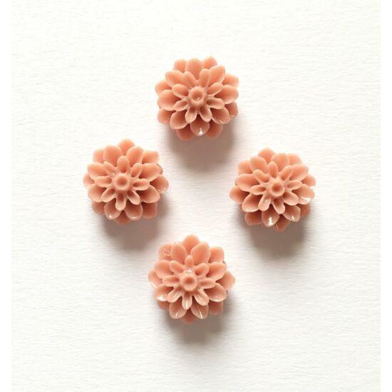 Rózsa gyanta virág, halvány tejes karamell színben, ragaszthatós