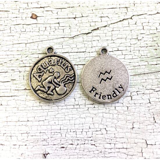 Medál - Horoszkópos- Vízöntő- antik ezüst színben