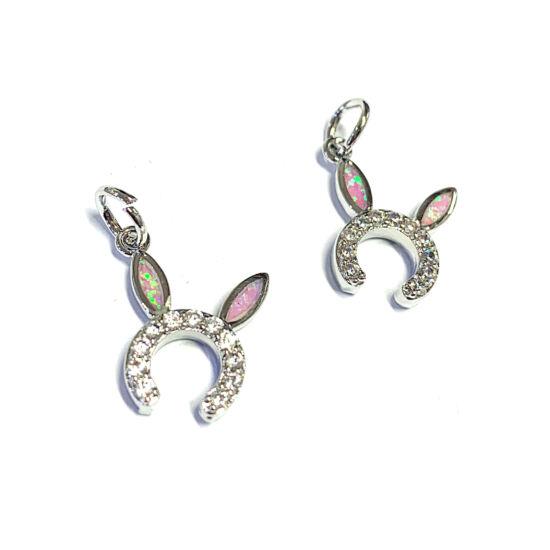 Medál - 17x15mm - cirkónia - szintetikus opállal - nyúl fül - platina ezüst – gyöngyház rózsaszín színben