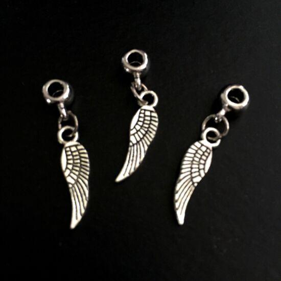 Medál- angyalszárny alakú, antik ezüst- medálvezetővel