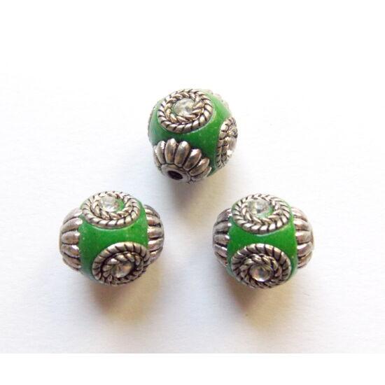 Indonéz gyöngy, zöld-ezüst színben, kristály színű strasszal díszítve