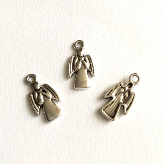Medál - Angyal alakú- antik ezüst színben