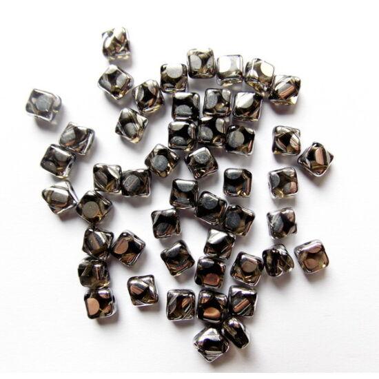 6x6mm fekete Gyémánt, Ezüst Pötyökkel, Silky gyöngy
