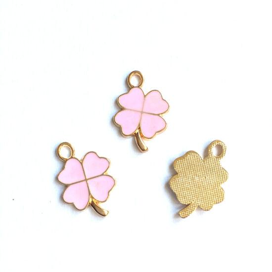Lóhere alakú medál, rózsaszín -arany színben